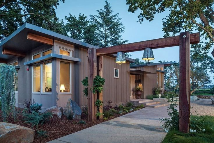 I had to show you thismodern prefab home designed by Stillwater Dwellings even though it's hardly 'small' to people like you and me and definitely not 'tiny'. At 1100…