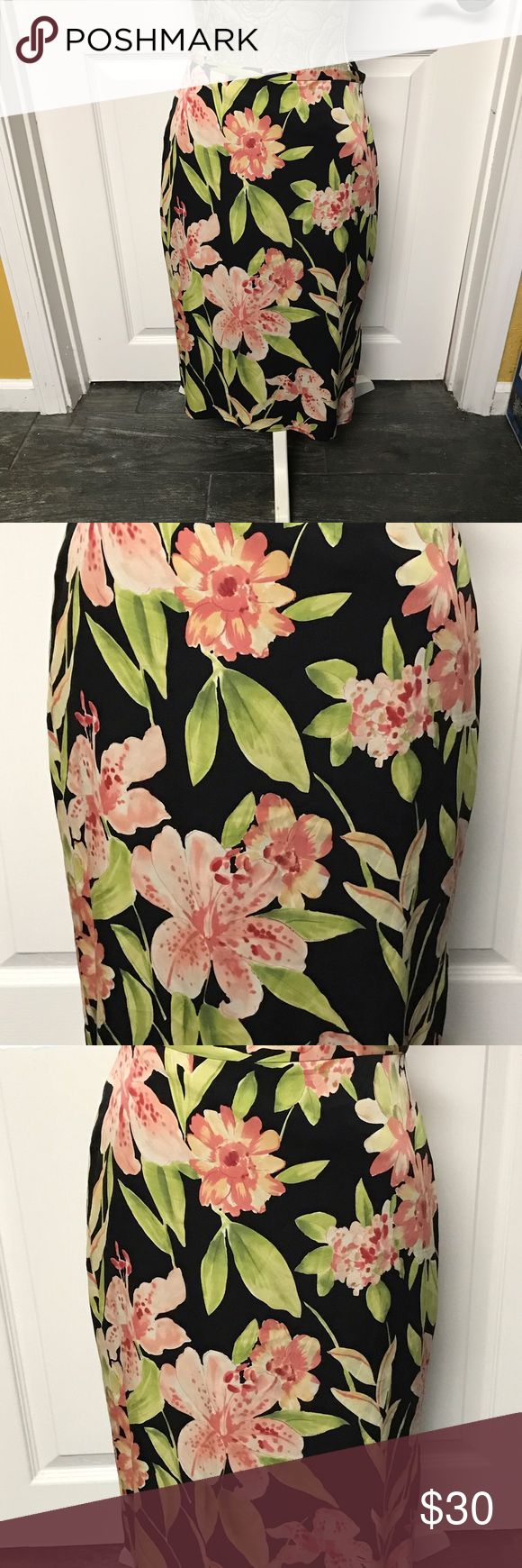 🎉SALE🎉TOMMY BAHAMA WOMEN'S FLORAL SKIRT SIZE 6 🎉SATURDAY SALE🎉TOMMY BAHAMA WOMEN'S FLORAL STRETCH SKIRT MADE OF 93% SILK 7% SPANDEX. THE SKIRT IS LINED 100% SILK. COLOR IS BLACK WITH PRETTY GREENS, PINKS AND WHITE.  THE SIZE IS 6.  THE SKIRT ZIPS UP IN THE BACK AND BUTTONS AT TOP. GREAT CONDITION! Tommy Bahama Skirts