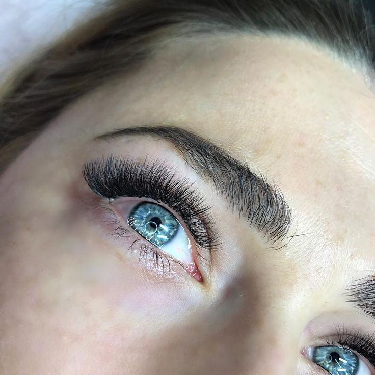I wish these were my eyes! lashesonfleek fluffylashes