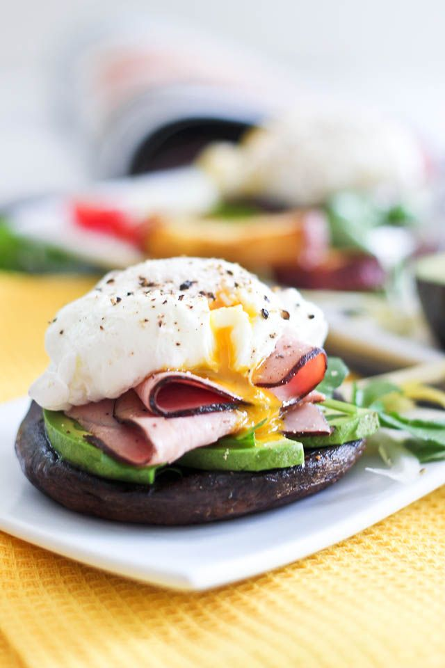 Poached Egg and Smoked Ham over Portobello Mushroom Caps - nice lunch isea but with rocket instead of avocado
