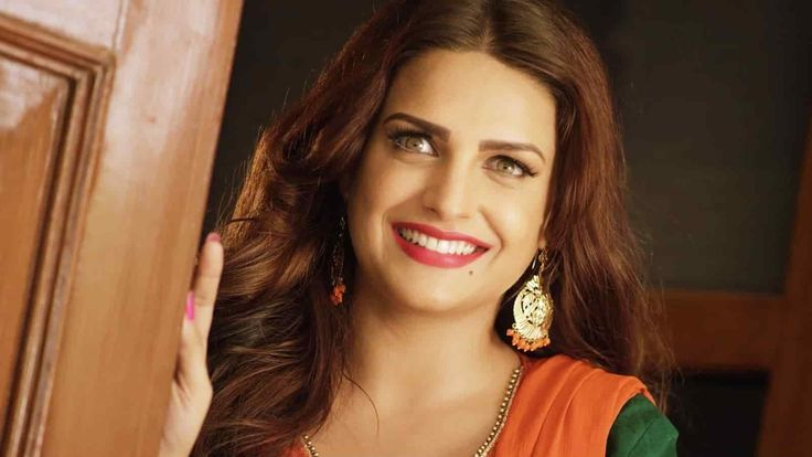 Himanshi Khurana - All You want to know about her