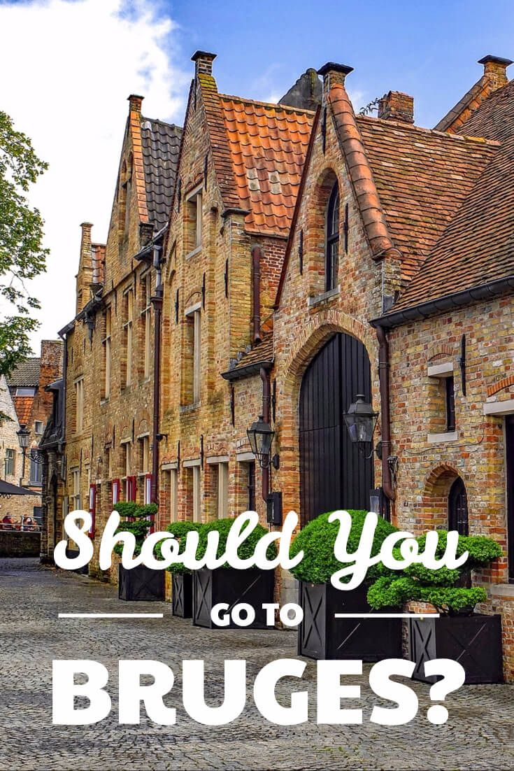 Is touristy Bruges even worth visiting? It definitely is, but you need to do it right. See how to make a visit to the beautiful Unesco heritage site and make the most of your trip. Combining Brugge with Gent will give you a much better experience. #bruges #belgium #unesco
