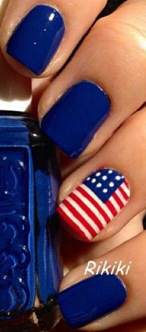 Simple 4th nail design