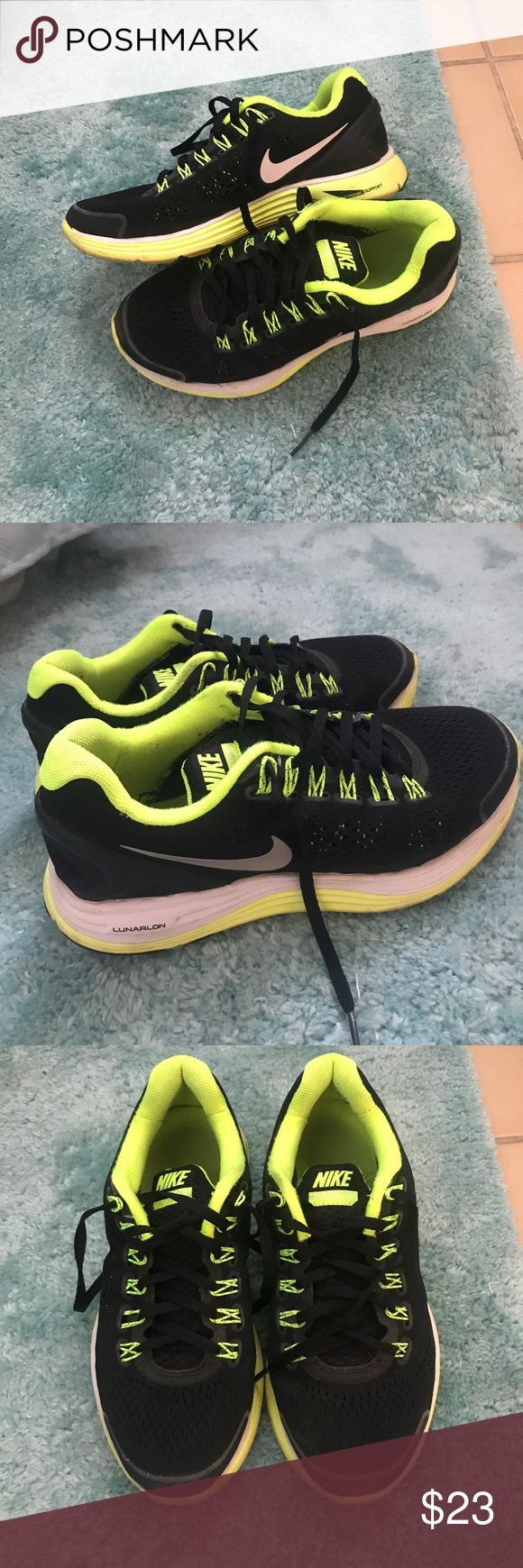 Nike Lunarglides Running Shoes Black and Neon Nike Lunarglide 4. Size 5Y which is 6.5 in women's. Some use but still in good condition! From a smoke and pet free home 💕 Nike Shoes Sneakers
