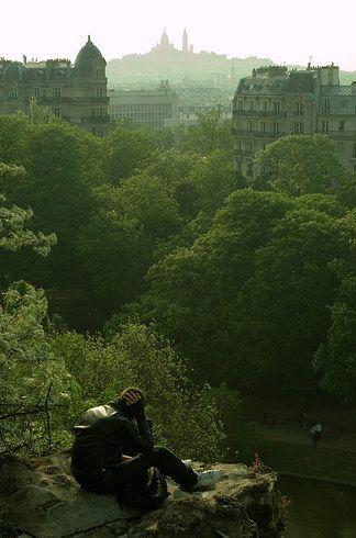 The Parc des Buttes-Chaumont | The Ultimate Parisian Guide To Paris (A gorgeous, hilly park north of Paris!)