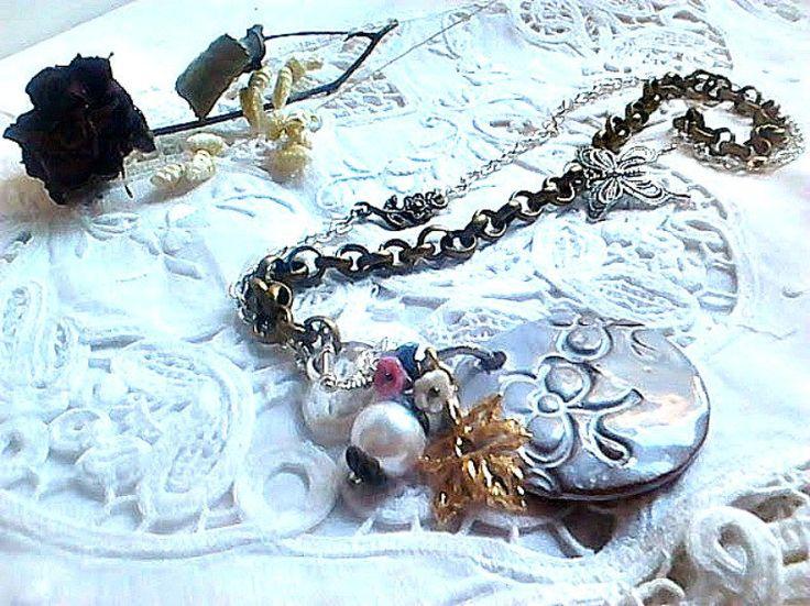 Collier sautoir Argent Bronze, Sautoir pour elle, Collier long médaillon céramique, Sautoir romantique chaine argent bronze, Bijoux femme by itssomimi2 on Etsy