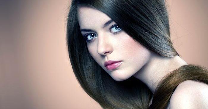 11 trucos para que crezca el pelo liso y radiante, ¡apunta!