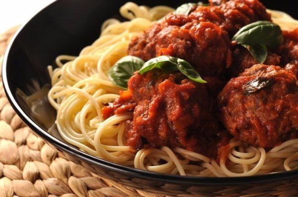 Spaghetti with meatballs Ingredients: Minced meat — 500 g Egg — 1 pc. Onions — 1 pc. Carrots — 1 pc. Tomatoes — 1-2 pieces. Tomato paste — 2 tbsp. l. Olive oil — to taste Dry or fresh bell pepper — to taste Milk — 150 ml A mixture of Provencal herbs — to …