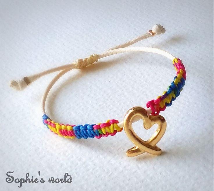 χρωματιστό μακραμέ χειροπ. βραχιόλι με επίχρυση καρδιά 💛🌺 #colors #handmade #bracelet ➡ https://www.facebook.com/SophiesworldHandmade/