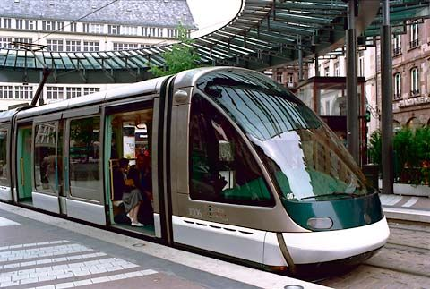 Siemens S70 Light Rail Vehicle | The LRVs ordered from Siemens USA are modeled after this car shown in ...