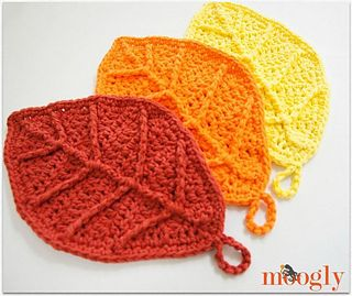 I made my Happy Autumn Leaves in cotton, thinking they'd be dishcloths… but after finishing one, I had to make two more, to use as decor! I love the way these look all grouped together, so very fall-ish.