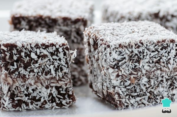 Homemade Australian Lamingtons Recipe - Easy #hygge #delicious #food #desserts