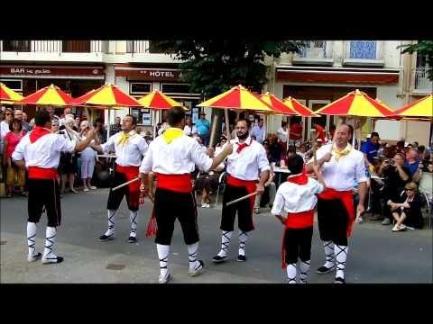fête de la cerise Ceret 2015 divers danses catalane - YouTube