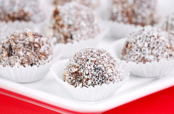 Sweet coconut balls lazy afternoons • Édes kókuszgolyó lusta délutánokra • Söta kokosbollar lata eftermiddagar