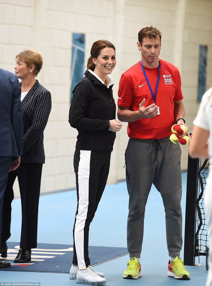 Pregnant Kate opted for a comfortable but stylish look for today's visit to theLawn Tennis Association
