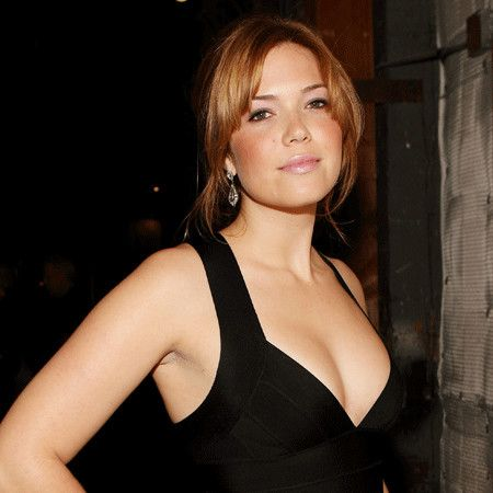 Mandy Moore wiki, affair, married, Lesbian with age, height, actress,