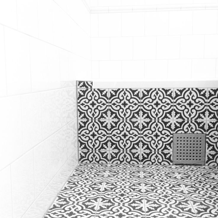 tiled bathtub with tiles from Marrakech design (maroccan tiles) perfectionmakesmeyawn.com