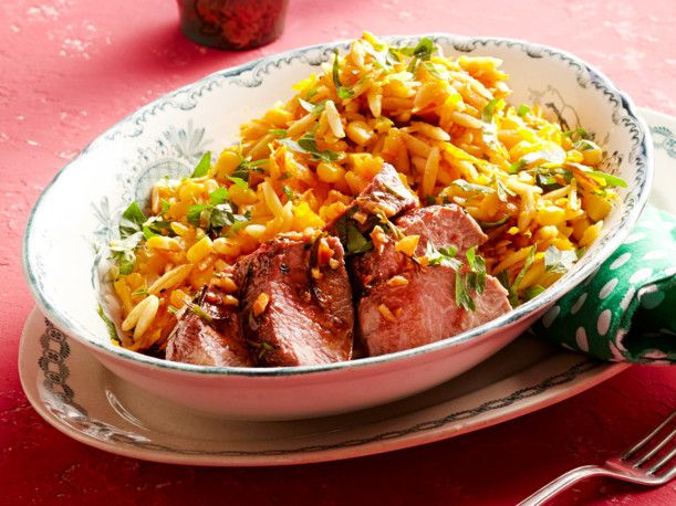 Unser beliebtes Rezept für Kürbis-Nudel-Salat mit Lammlachs und mehr als 55.000 weitere kostenlose Rezepte auf LECKER.de.