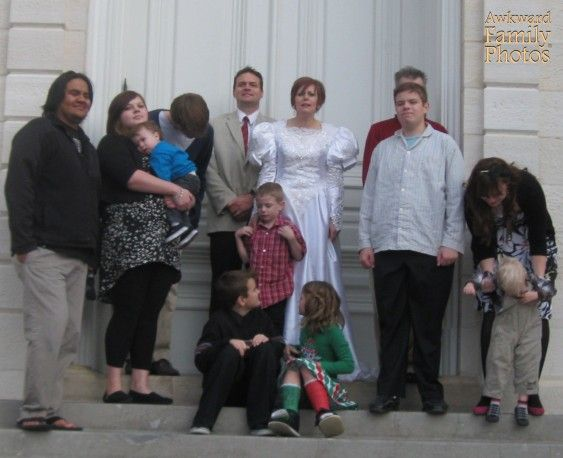 How to avoid awkward family photos awkward and bizarro pictures