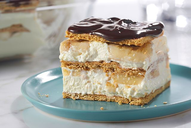 No pastry chef credentials required to make this no-bake banana éclair dessert. You will, however, need some graham crackers!