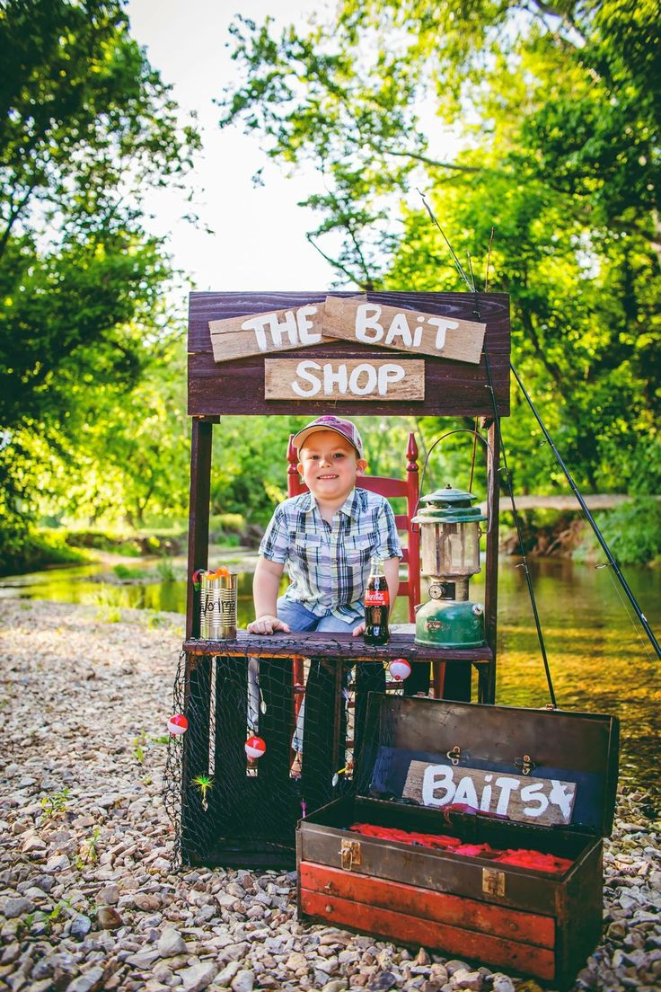 Summer time children's gone fishing mini session photography
