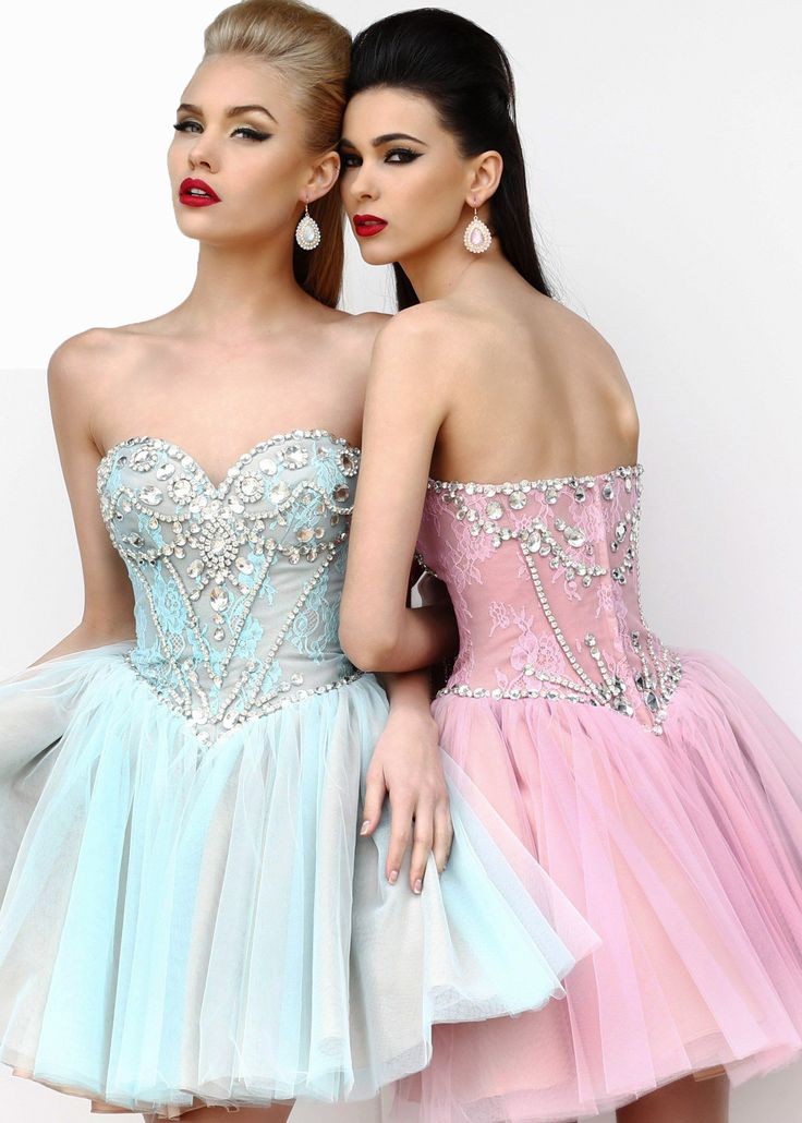 Probably one of the most beautiful dresses ever!! #SherriHill #RissyRoosHomecoming