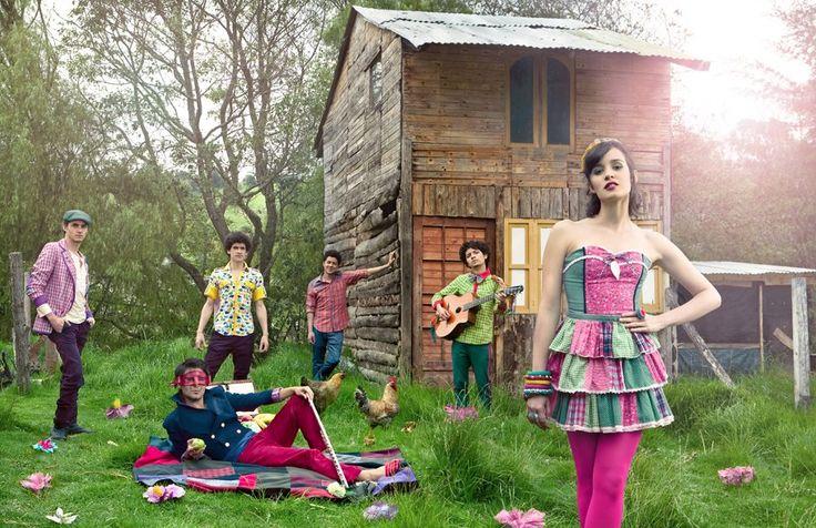 Sesión de fotos realizada por Maria Elisa Duque para la edición de Mayo 2012 de la revista Shock. Vestuario y Styling por Rivas.