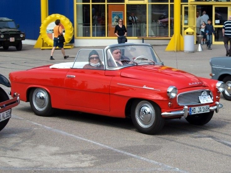 Great looking two door convertible. And yes, its a Škoda, actually a 1958 450 Felicia