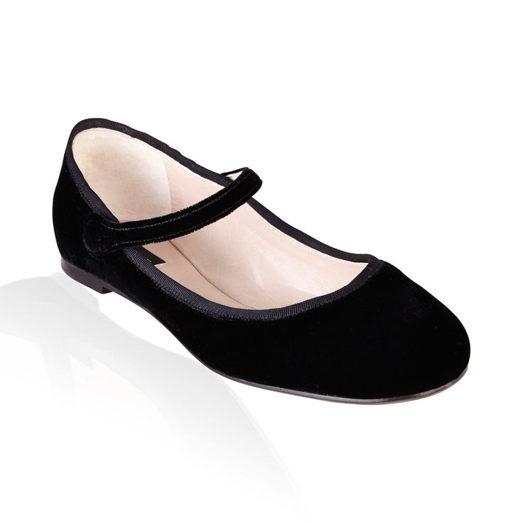 Marc Jacobs Mary Jane Ballerinas Velluto Nero - Round toe Mary Jane ballerinas in plush black velvet add a little luxury to your feet. Sweet yet stylish these flats are a must have.