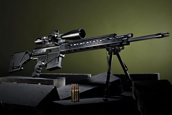 Alexander Arms has built one of the most revolutionary magnum, semi-auto rifles ever made. If the shooting industry could present an award for the most exotic and accurate design of the last 25 years, the Alexander Arms .338 Lapua Magnum would win it. The last time we saw a company stray so far off the beaten path with such spectacular results was when Glock unveiled their odd-looking pistol in the mid-1980s.