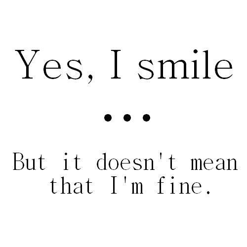 Soms zegt een lach niet zoveel, verschuilt er een hoop leegte achter.
