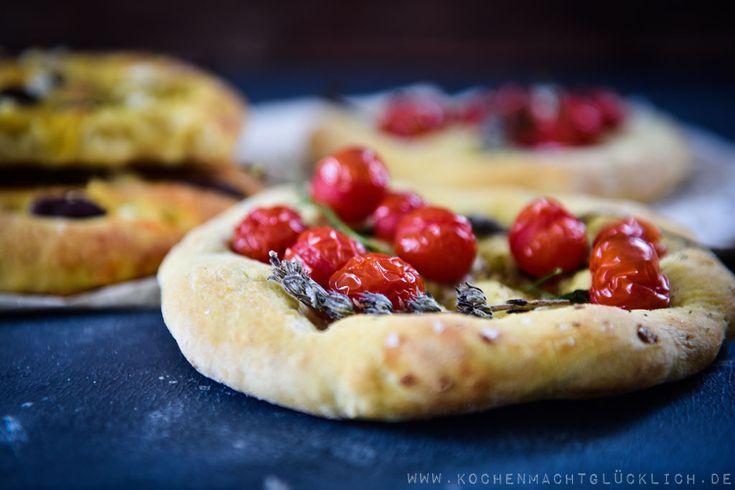 ♥ Rezepte | Brot backen | Bread please Wenn Du ein Rezept für leckere  Focaccia suchst, bist Du hier genau richtig! Auf meinem Blog findest Du eine ausführliche Anleitung. Viel Spass mit meinem Rezept!