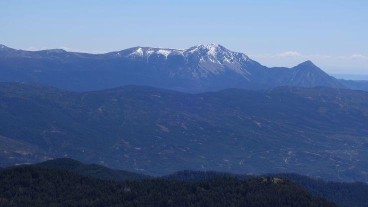 Caras norte del Tozal de Guara (2077 metros) y Fragineto (1750 metros)