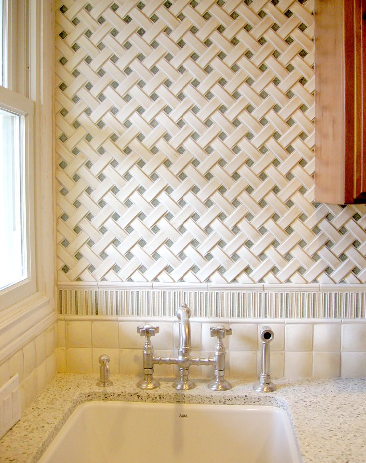 Encore Ceramics | Crescendo Basketweave Mosaic Tile, With Ripple Border And  2x2 Cobblestone Field