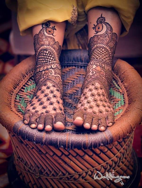 9 Mehendi Designs For Your Feet That Are Just Gorgeous! #Ezwed #Mehendi #MehendiFeetDesign #BridalDesign #Wedding