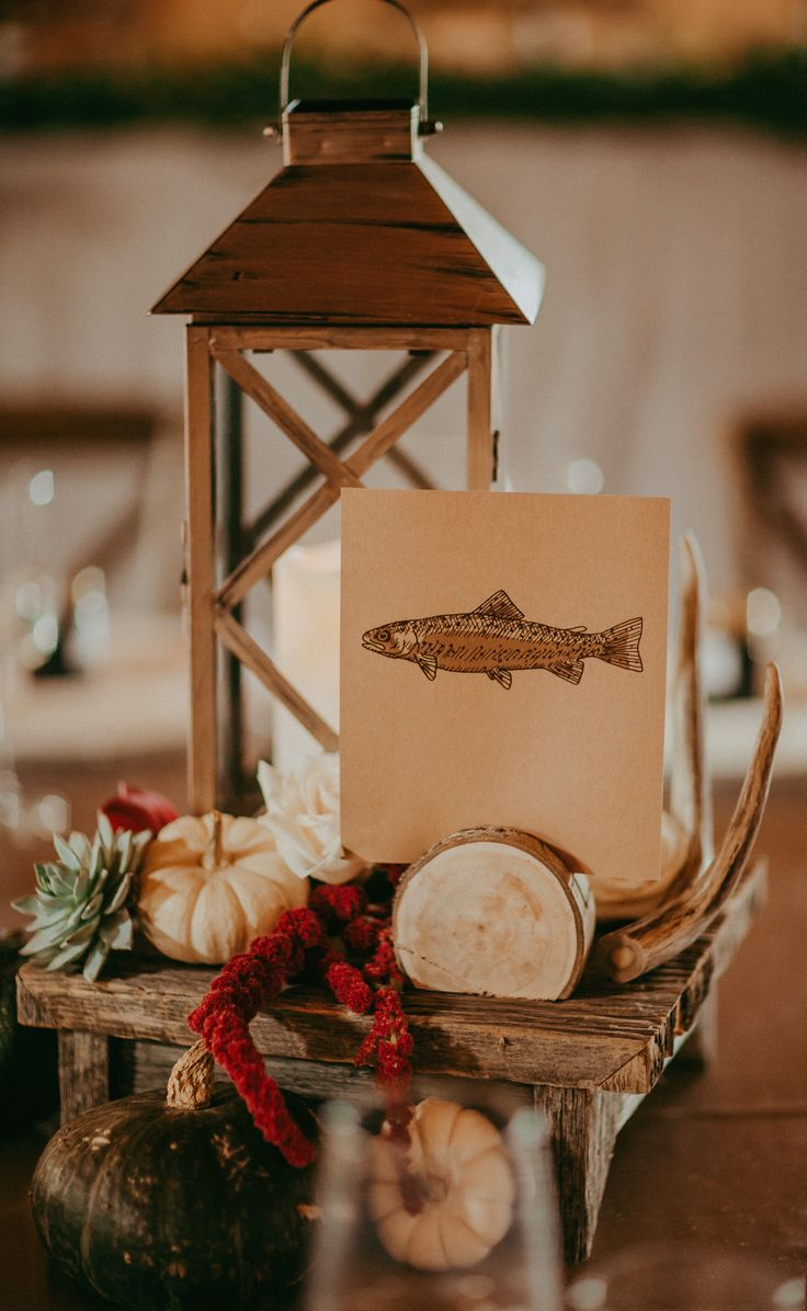 Our Barn wood Centrepiece stands are so cute.