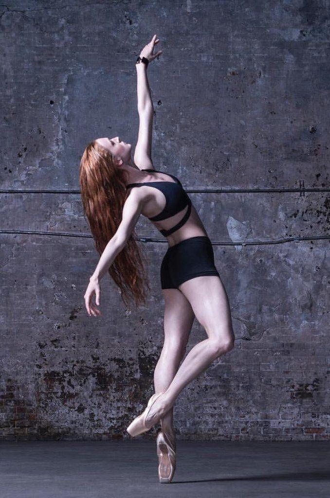 фото рыжей танцовщицы внешность сочетании