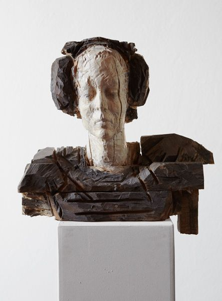 """Laura Eckert """"Sie"""" 2012 50 x 40 x 30cm Eiche, Bretter, Pigment"""
