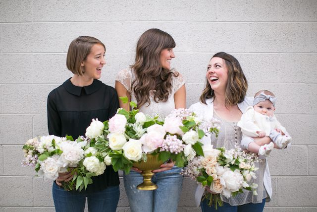 Wedding flower budget tips | Amy Caroline Photography and Cori Cook Floral Design | see more on: http://burnettsboards.com/2016/01/wedding-flower-budgeting/