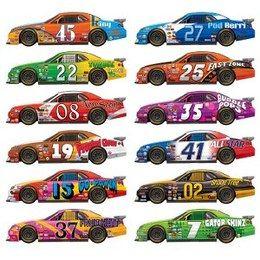 Scenesetters Race Auto -  Een wanddecoratie bestaande uit 12 race auto`s. Afmeting: totaal 81cm. Leuk voor een sport evenement, kinderfeest of gewoon als decoratie in een kinder of tiener slaapkamer.