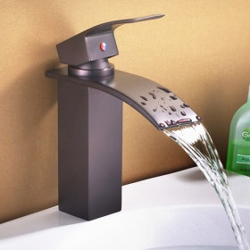 """I like the """"fountain spill"""" but the angled/sharp handles don't feel good in the hand.  Is there a compromise?"""