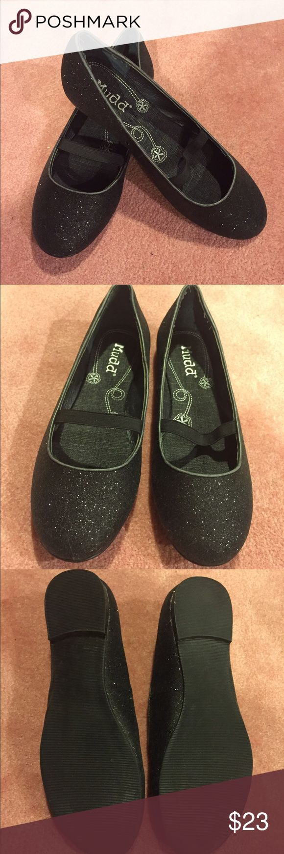 Mudd black sparkle flats Muddy black sparkle flats size 9 women. Worn once. Minimal to no wear. Mudd Shoes Flats & Loafers