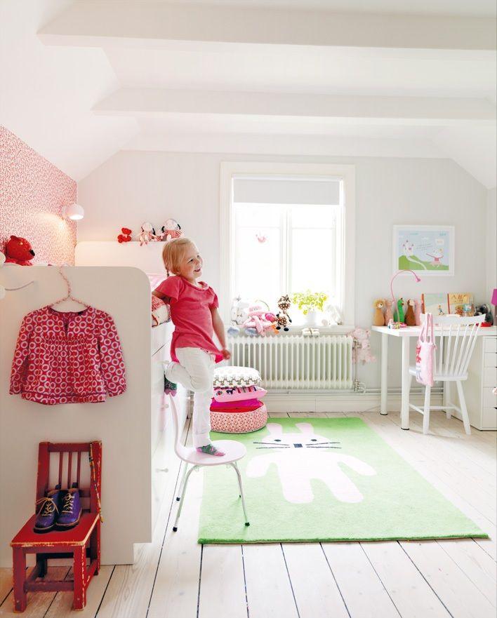 girl's room... Love that carpet!!!