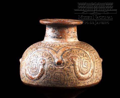 VASO ANTROPOMORFO    400 a 1400 A.D.  Cerâmica Marajoara Ilha de Marajó 21 cm