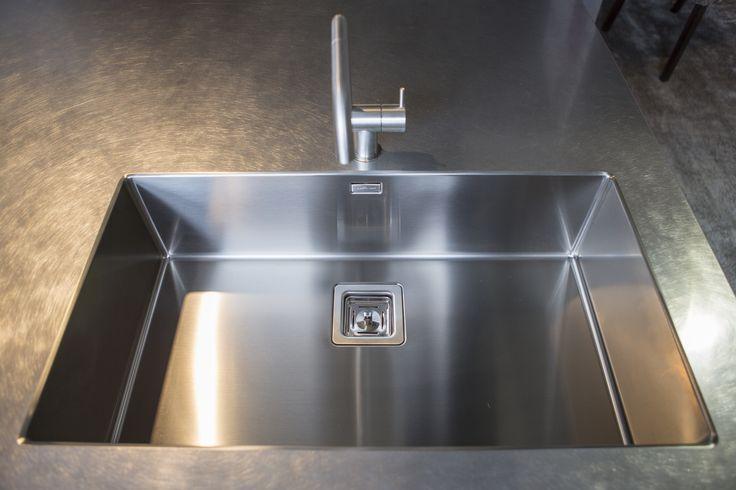 Lavabo cucina in ferro e acciaio