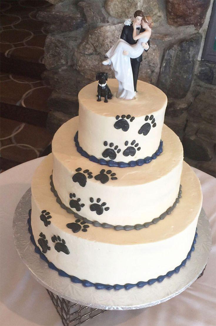 Paare wollten ihren Doggo in ihre Hochzeit mit einbeziehen, also kamen sie mit einer Pfote …   – Kuchen Rezepte