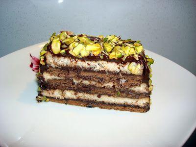 Canım arkadaşım Banu'da yediğim ve tadını beğendiğim bir tatlı ,O iki katlı olarak hazırlamıştı ve çok lezzetliydi. Ben baton kalıbımda yap...