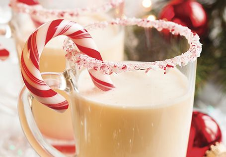 Blend this Irish Peppermint Milkshake for a beverage that will get you in the holiday spirit! #HolidaysMadeHappier