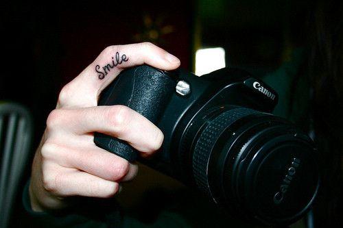 :): Tattoo Ideas, Smile Tattoo, Photographers Tattoo, Photography Tattoo, Fingers Tattoo, Tattoo Inspiration, Cute Ideas, Camera, Photography Inspiration
