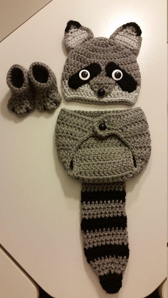 Haak pasgeboren meisje of een jongen Woodland Raccoon Costume - Foto Prop -Beanie Hat, Raccoon staart Diaper Cover, en laarsjes. Handgemaakt